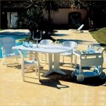 Dine outdoors in luxury